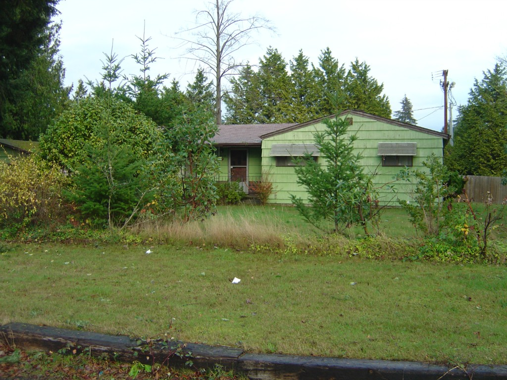 Featured Property in DES MOINES, WA, 98148
