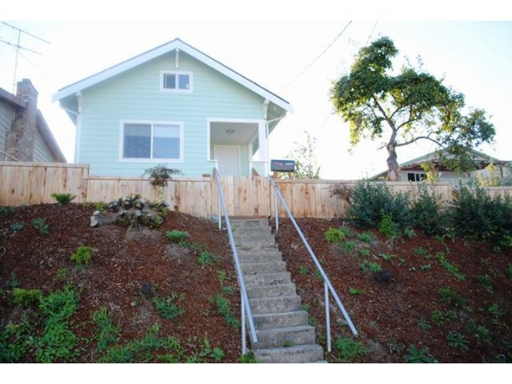 Rental Homes for Rent, ListingId:29168907, location: 2207 21st Ave S Seattle 98144