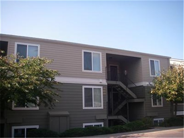 Rental Homes for Rent, ListingId:29758649, location: 3233 NE 12th St #204 Renton 98056