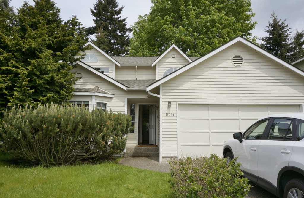Rental Homes for Rent, ListingId:33484588, location: 13014 NE 101st Place Kirkland 98033
