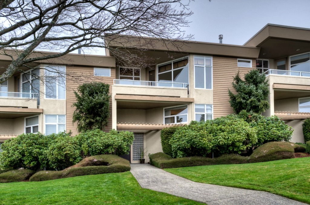 Single Family Home for Sale, ListingId:26593126, location: 10214 NE 62nd St Kirkland 98033