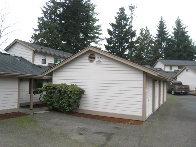 Rental Homes for Rent, ListingId:30092287, location: 10131 NE 137th Place #9 Kirkland 98034