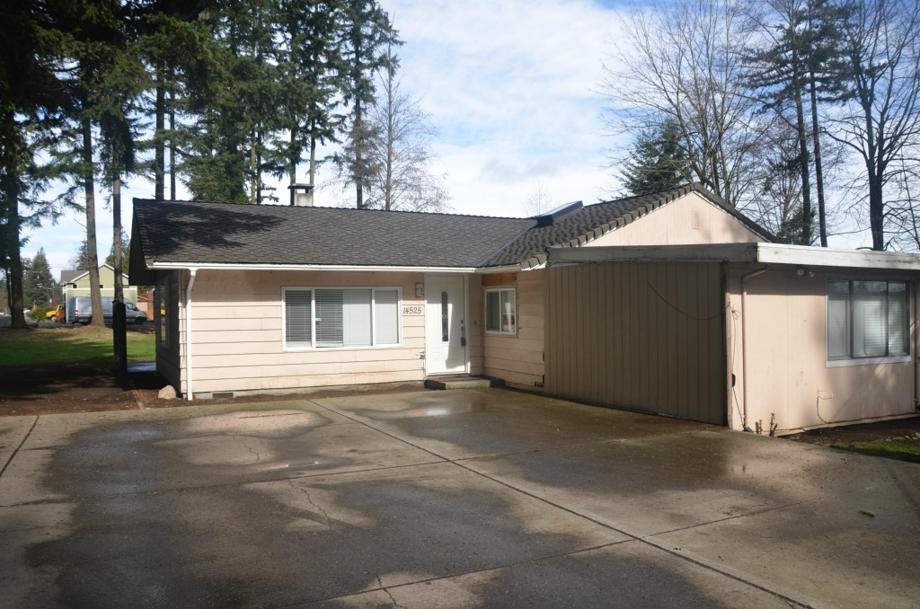 Rental Homes for Rent, ListingId:27133619, location: 14525 Ash Way Lynnwood 98036
