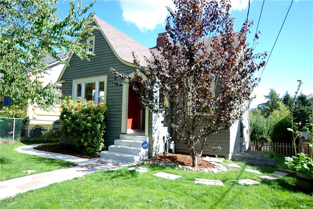 Rental Homes for Rent, ListingId:35546087, location: 5214 38th Ave NE Seattle 98105
