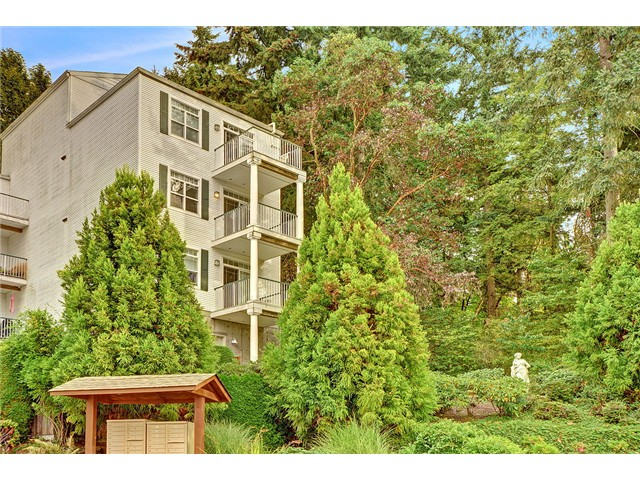 Rental Homes for Rent, ListingId:32833964, location: 3990 129th Place SE #C-206 Bellevue 98006