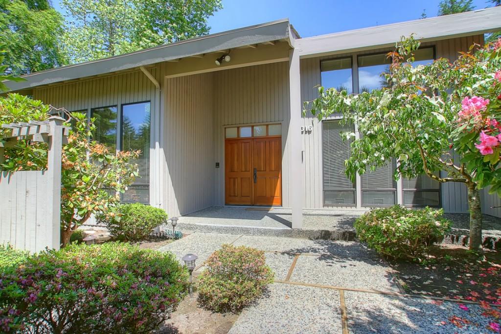 Rental Homes for Rent, ListingId:33484603, location: 14316 NE 12th Place Bellevue 98007