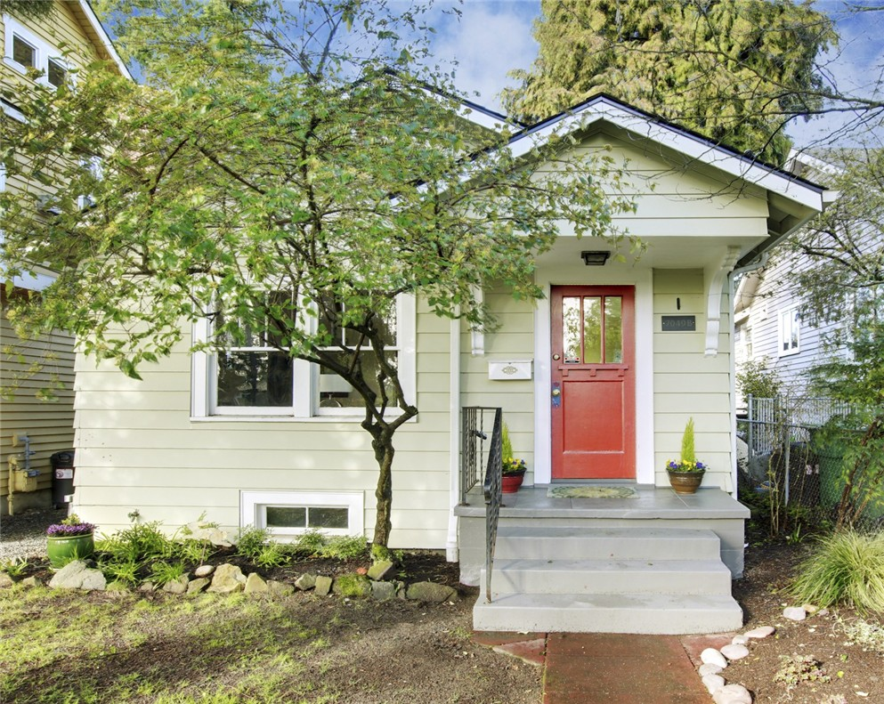 Rental Homes for Rent, ListingId:37138335, location: 7049 Ravenna Ave NE #B Seattle 98115