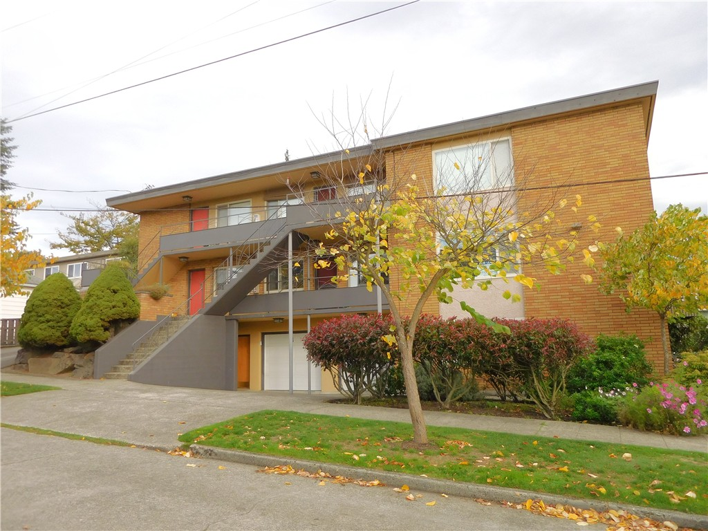 Rental Homes for Rent, ListingId:35508628, location: 4451 Woodland Park Ave N #5 Seattle 98103