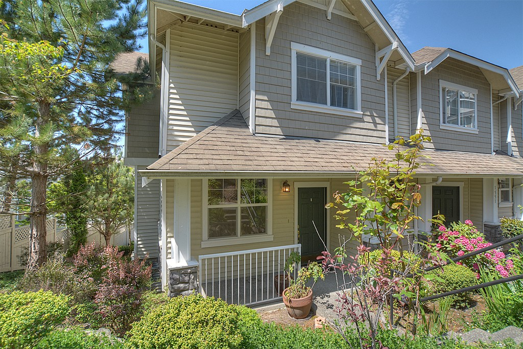 Rental Homes for Rent, ListingId:33523867, location: 1547 NE Joshua Tree Lane #1547 Issaquah 98029