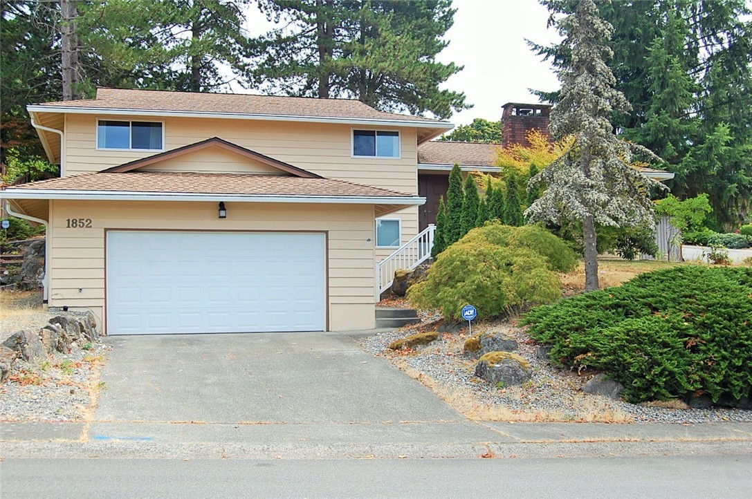 Rental Homes for Rent, ListingId:35135761, location: 1852 138th Place SE Bellevue 98005