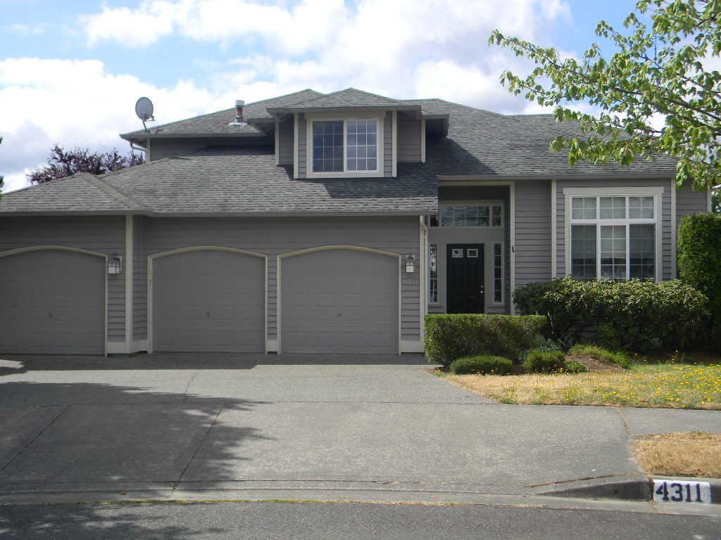 Rental Homes for Rent, ListingId:29126647, location: 4311 NE 9th Place Renton 98059