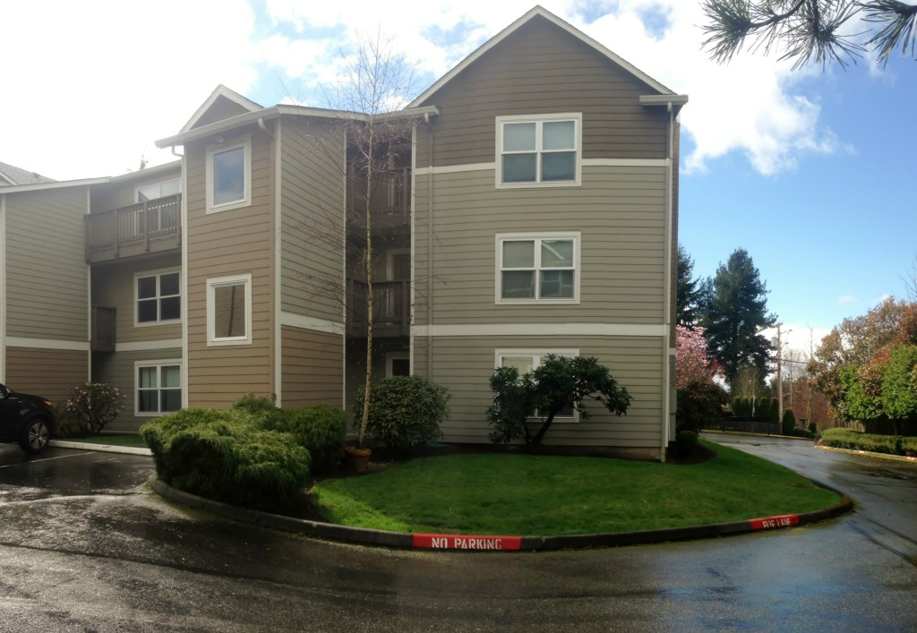 Rental Homes for Rent, ListingId:27385293, location: 8226 126th Ave NE #A32 Kirkland 98033